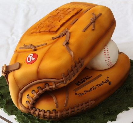 Baseball glove cake... amazing.  Had to pin it but can't make it.