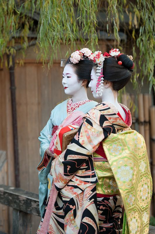 »☆Elysian-Interiors ♕Simply divine #kimono  ~ Japanese ~ kimono ~ Kyoto, Japan