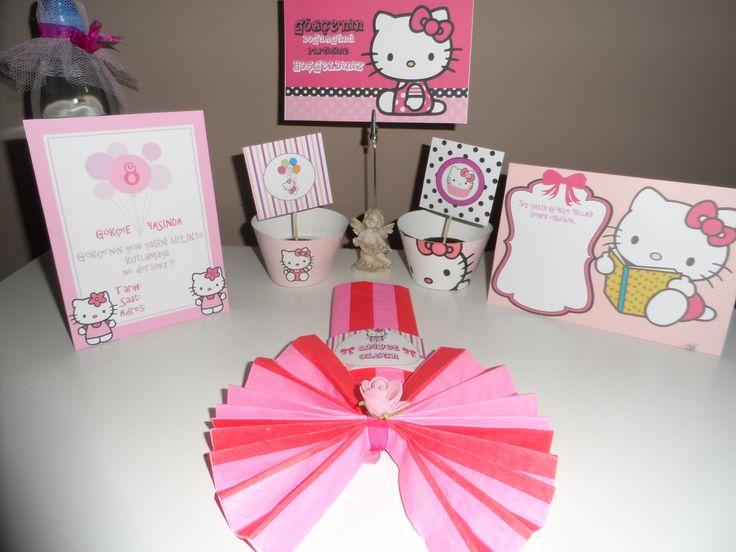Hello kitty cupcake kabı&süsü,peçete etiketi, davetiye, su şişe etiketi, Dilek Kartı, Flama, Kitap ayracı, Amerikan servis