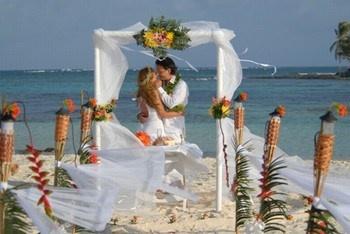 ¿Es una boda lo que celebras?? Navega por el board de Airedefiesta.com dedicado a las bodas. Te inspirará! http://pinterest.com/airedefiesta/bodas/