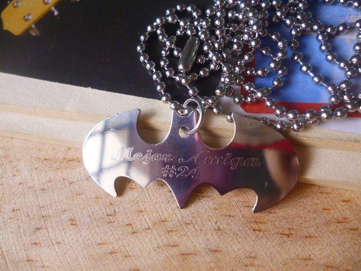collar Batman en acero inoxidable con grabado personalizado. COLOMBIA WSP: 321 986 48 38