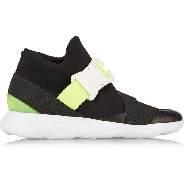 Christopher Kane Neon and leather-trimmed neoprene sneakers (3 920 SEK) ❤ liked on Polyvore featuring shoes, sneakers, black, black strappy shoes, black strap shoes, fluorescent shoes, black buckle shoes and neon shoes