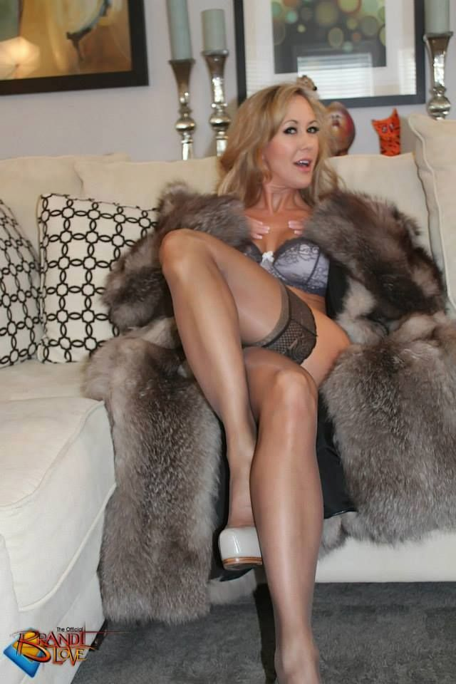 mature-sexy-fox-in-florida-bisexual