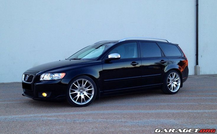 The safest, and sleek commuter car that we have owned. | Volvo V50 Summum (2008)