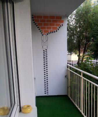 balcony graffiti