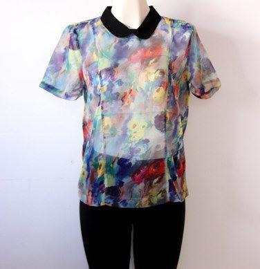 #blusa #floreada #colores y #cuello en negro