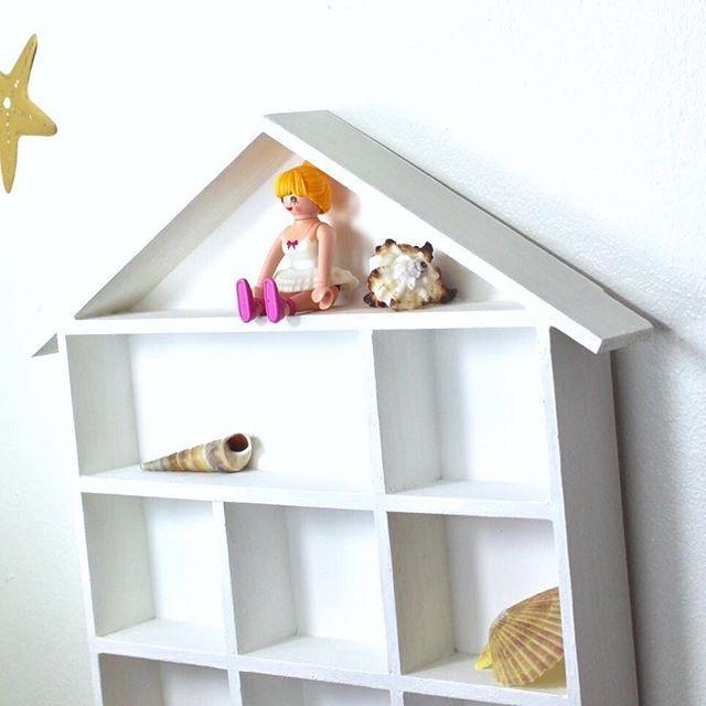 #beachlife 🐚 #seashells and #starfish . . . #farrowandball #houseshelf #prettystorage #walldecals #palymobil #mpsandtsc #uniquepartygifts #smallbusiness #kidsinteriors #childrensinteriors #kidsparty #childrensroom #playroomdecor #handcrafted #nurseryinspo #partystyling #personalised #customorder #homedecor #nurserydecor #partydecor #kidsroom #wallart #playroom #kidsinteriors_com