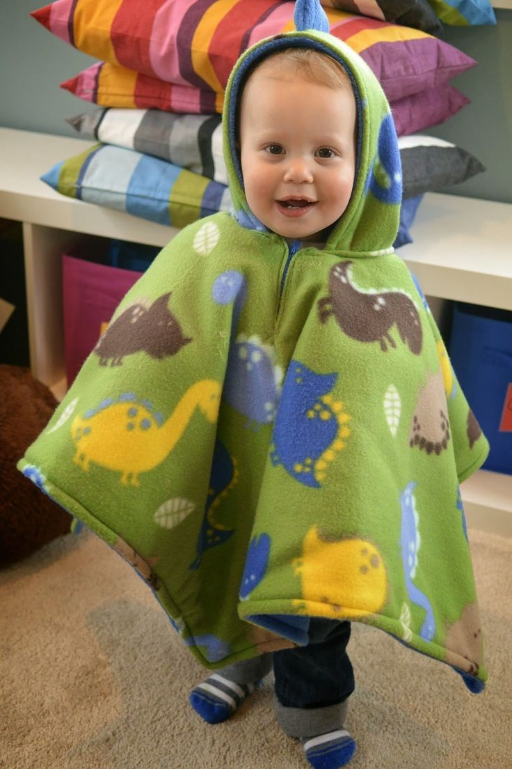 Read my Car Seat Poncho Review. Make your baby safe in his car seat yet warm with the heavy fleece covering him.
