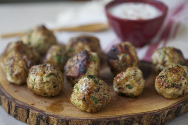 Mmmm, this sounds like a good way to get some veggies into our diet. Turkey Zucchini Meatballs
