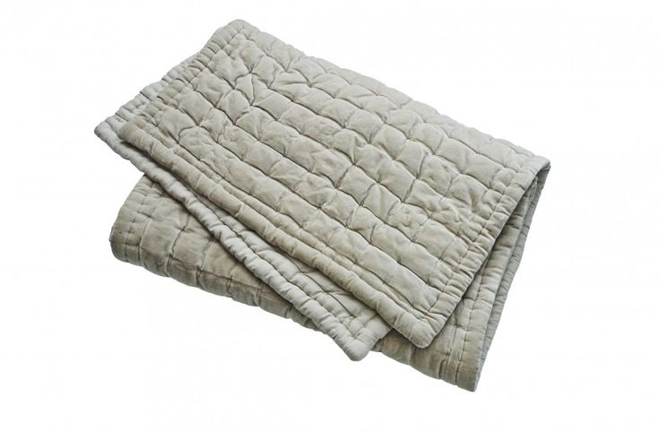 Square Pintuck Quilted Bed Runner