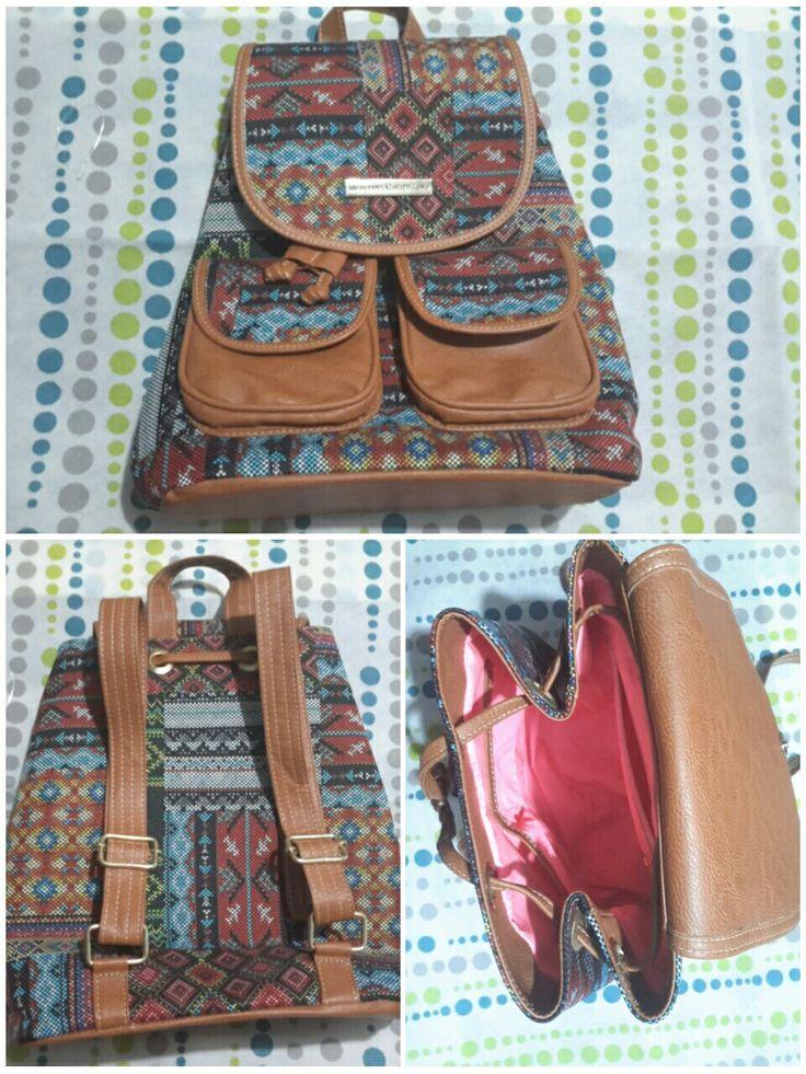 Bolso o mochila mercedes campuzano hecho en Colombia