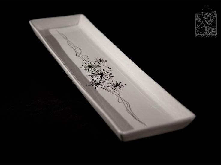 tray hand painted by Elisa Viotto Arte