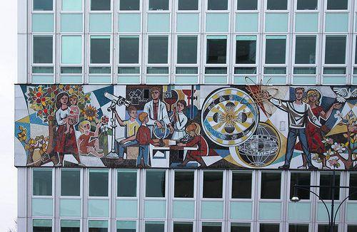 Berlin | Alexanderplatz | bold.color.glass blog