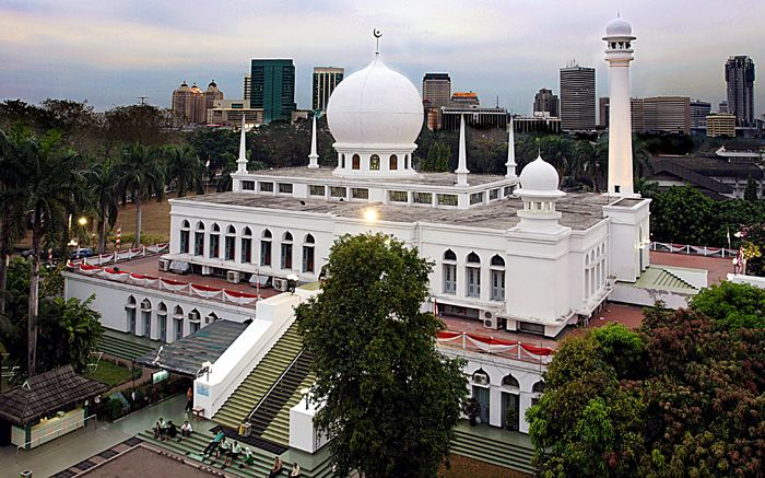 Berwisata Religi Ke Masjid Terkenal di Jakarta