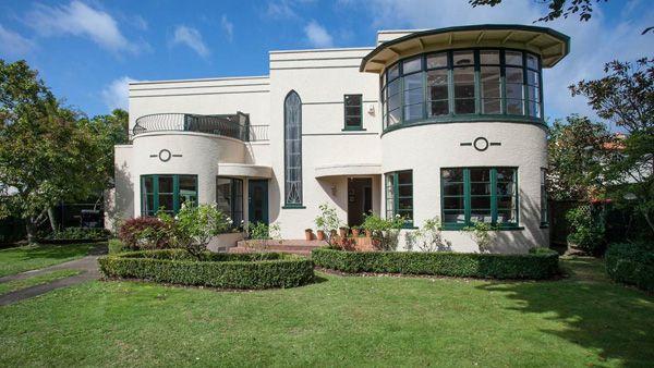 Art deco gem: 1930s three-bedroom property in Hamilton, New Zealand