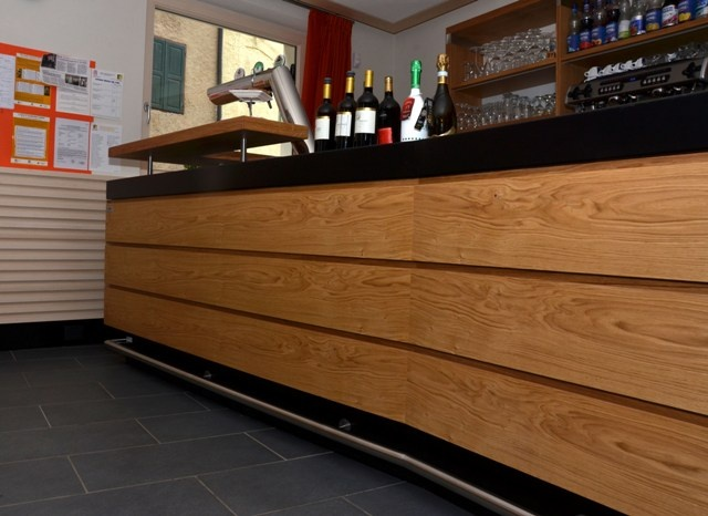 Bar counter with durmast cladding.