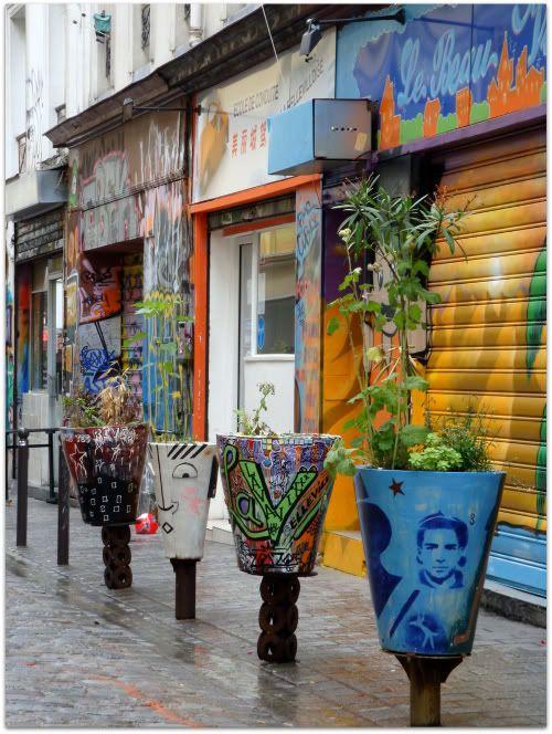 Pot fleur tag graffiti pochoir graff mosaique rue denoyez dénoyez belleville paris aena street art photo