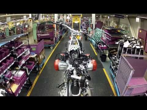▶ BMW Motorcycle Assembly 2014 Berlin Plant - YouTube
