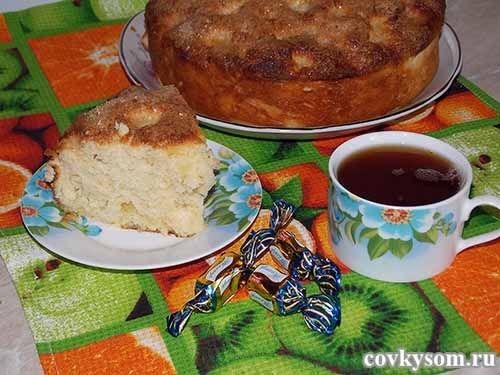 пышный пирог с карамельной корочкой