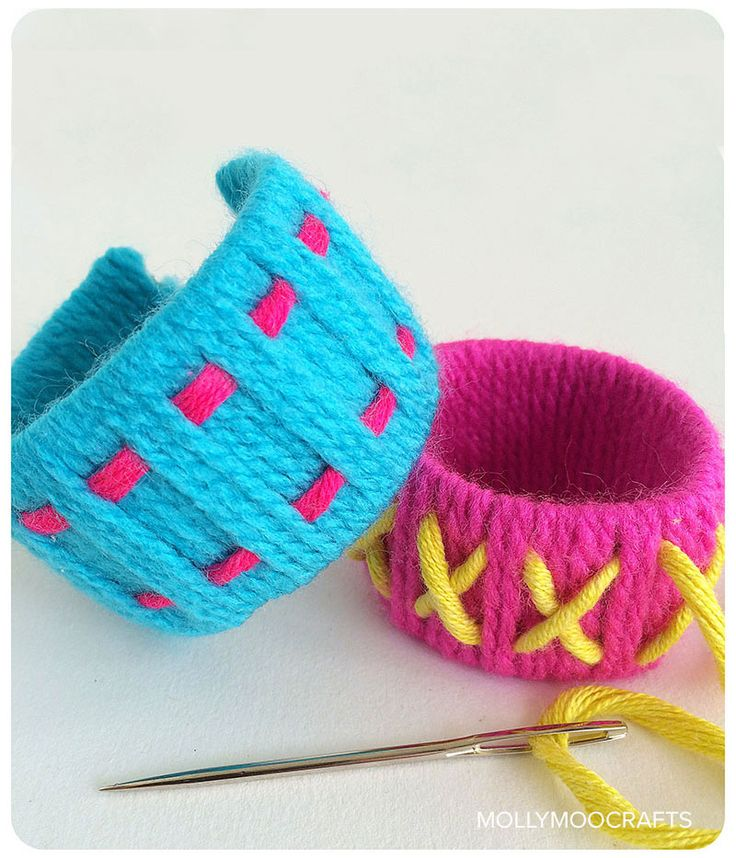 Toilet Roll Bracelets - yarn wrapping and weaving fun for kids | MollyMooCrafts.com