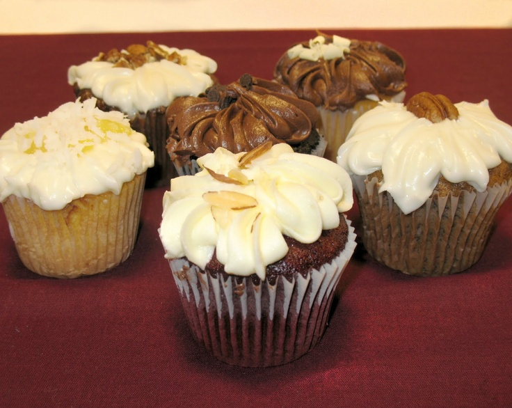 Wright's Gourmet Deli and Bakery in Tampa Florida ~  Best cupcakes in the world