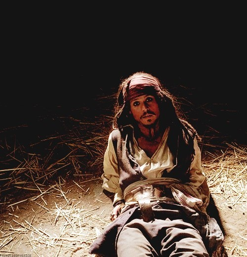 Captain Jack Sparrow (Johnny Depp) - Pirates of the Caribbean. Great movie, fabulous actor. Costume, pirat.
