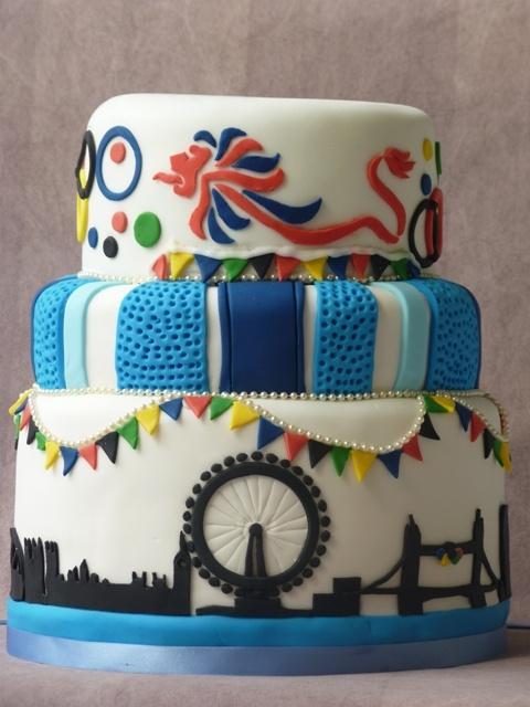 London 2012 Olympics celebration cake - Team GB colours & logo and the wonderful London skyline