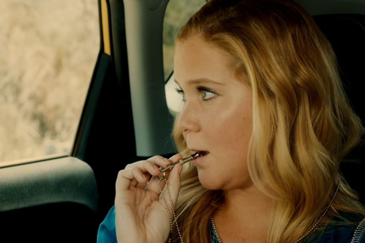 'Snatched' Clip Introduces the Chekhov's Dog Whistle of Amy Schumer's New Movie