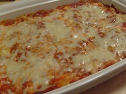 Are you looking for a quick and easy dinner recipe that you can make for dinner when the whole family comes to visit? Try my amazing Baked Ziti Recipe today and it will blow all of your guests away! Watch my easy to follow video recipe that i have posted below for a step-by-step tutorial on how to make Baked Ziti for your family tonight!