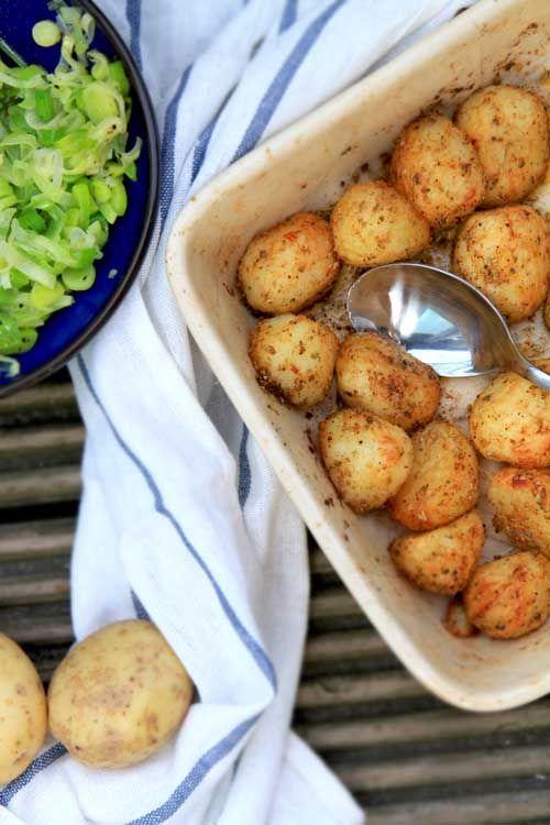 Idealne pieczone ziemniaki  Creamy crispy potatoes. Use the translator button.