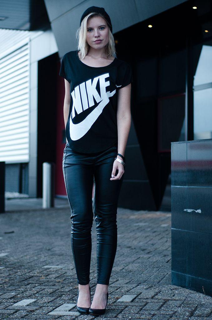Nike - Swoosh Style!