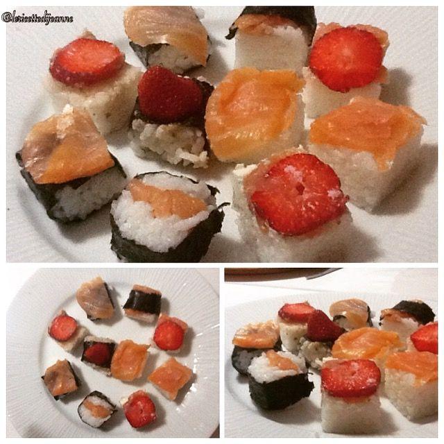 Sushi preparato in casa da me con una deliziosa salsa di cipolla capperi e tonno e qualche rossa fragola della passione!