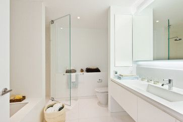 13 all-white bathrooms with clean and classic style | Fox News