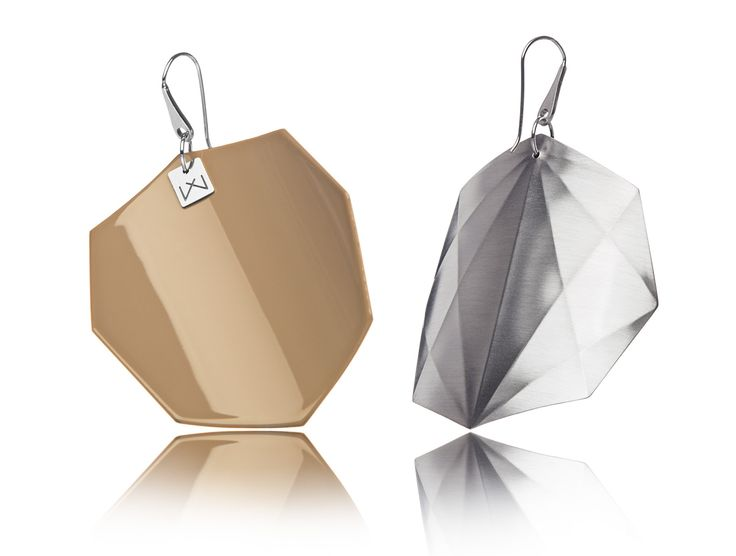 CAPPUCCINO-OCTAGON-RHODIUM  Hanger: 925 STERLING silver with rhodium flashing.   Front part: colored, high gloss homogenous surface, UV-resistant.   Back part:  satin effect metal surface, rhodium coating (platinum flashing) in 3 layers.   Gloss preserving, wear-proof, oxidation resistant and anti-allergenic.  Available in three sizes: with a diameter of 4, 5 and 6 cms.