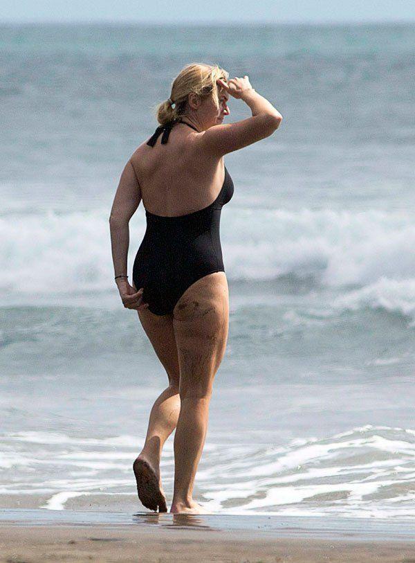 Kate Wislet Black Bikini