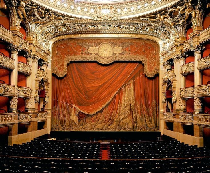 Опера Гарнье... Париж... Франция.