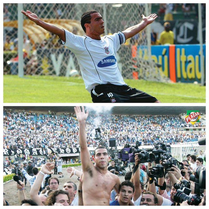 """Sport Club Corinthians Paulista - """"2005 e Carlitos Tevez. O Tetra foi louco demais!  Fotos: Revista Placar  #Corinthians #Timão #Brasileirão #2005 #Tetra  #EternoDoutorSocrates #VaDe99taxis…"""""""