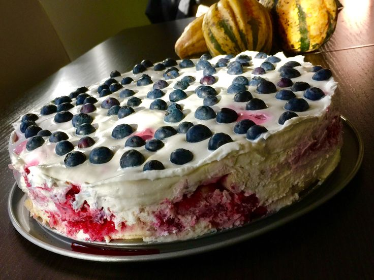 cranberry-raspberry cake