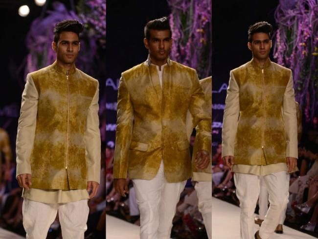 Here is a dekko at by Manish Malhotra's collection titled 'A Summer Affair' at Lakme Fashion Week Summer/Resort 2014.