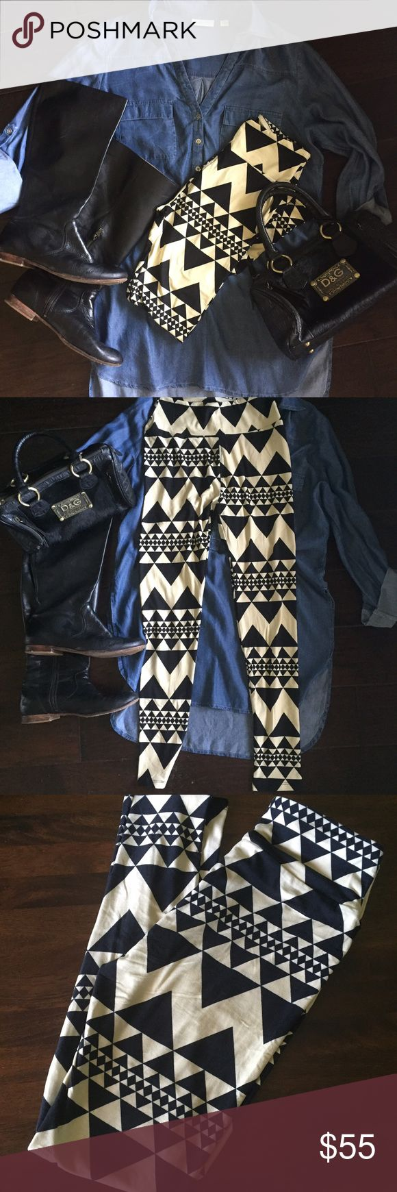 🦄🦄🦄 BNWT LulaRoe OS Leggings Black&Ivory Aztec Rare print. HTF pattern especially with it matched up across the legs. Buttery soft. Never worn. Made in China. Open to trades. Selling on eBay for $50+. LuLaRoe Pants Leggings