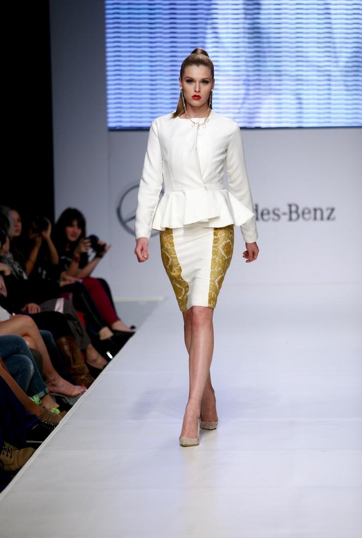 Polina Argyrou catwalk