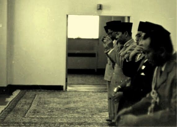 Mr soekarno relegius poeple