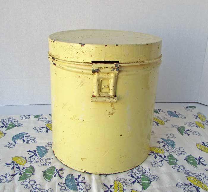 Yellow Kitchen Storage: Best 25+ Pale Yellow Paints Ideas On Pinterest