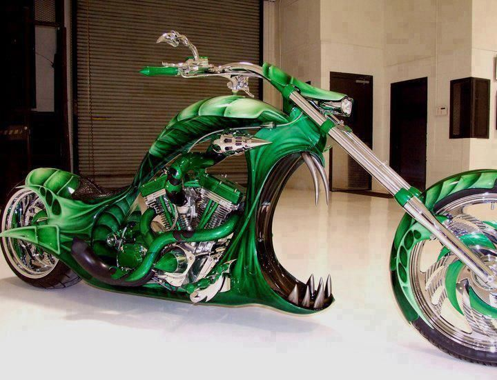 Custom Chopper, shut the front door, WOW. Beautifull. WHAAAAAAAAAAAAT