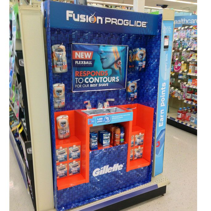Gillette End Cap Display Responds To Contours at Walgreens