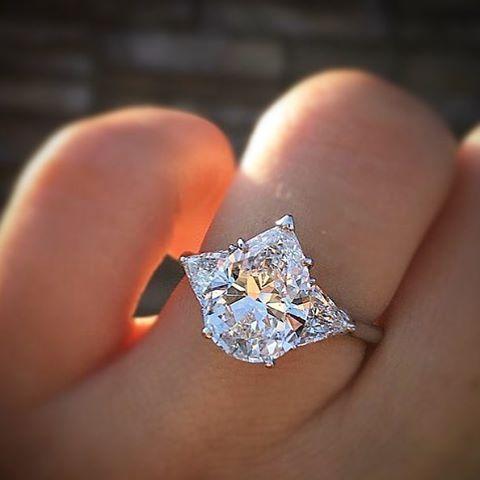 Still didn't eat enough yesterday. Gonna have this pear as a snack 🍐💎 . . . #ring #gemstone #sparkle #jewelrygram #dreamscometrue #engagementring #jewelrydesign #diamondring #weddingrings #showmeyourrings #apbling #weddingblog #weddingforward #imengaged #ohwowyes #engagementparty #shesaidyes #proposal #couplegoals #ido #bridetobe #engagement #weddinginspo #uniquejewelry #perfectproposal #bride2be #bridesmaid #fiancee #ohsoperfectproposal #disneyland