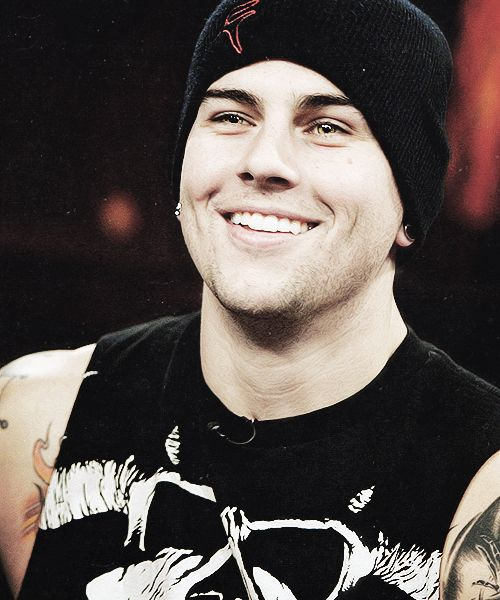 M. Shadows  those dimples <3 lol