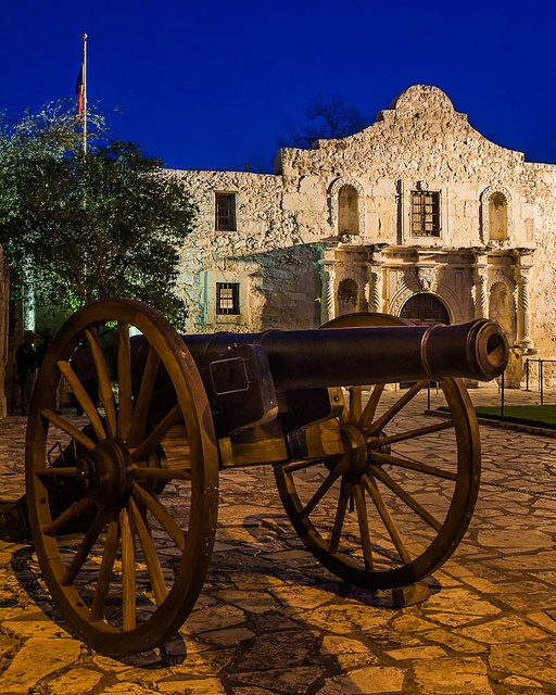 Cannon at the Alamo, via Flickr.
