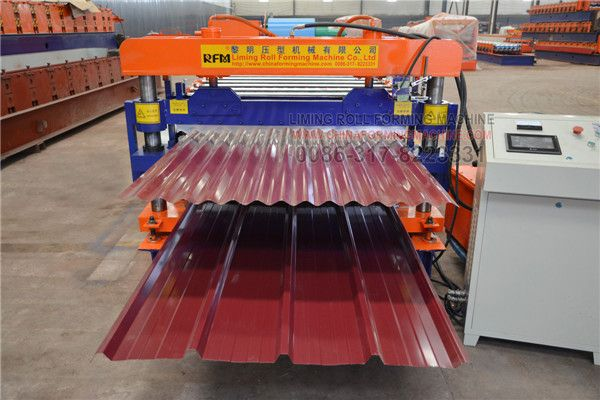 #Double-layer #roof #panel #roll #forming #machine cross-section shape is reasonable, machine roll forming pressure plate, both solemn and elegant, and beautiful new, and the appearance of smooth, ripple uniform, high utilization rate, the upper and lower mold system drive sets and rotary sleeve with the device