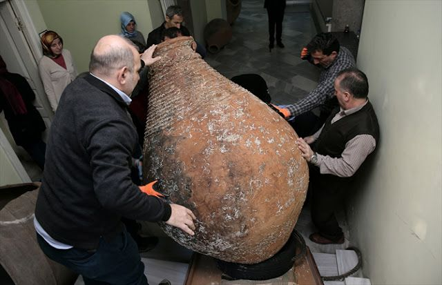Πυρφόρος Έλλην: Τεράστιο βυζαντινό πιθάρι «ψάρεψαν» Τούρκοι ψαράδε...